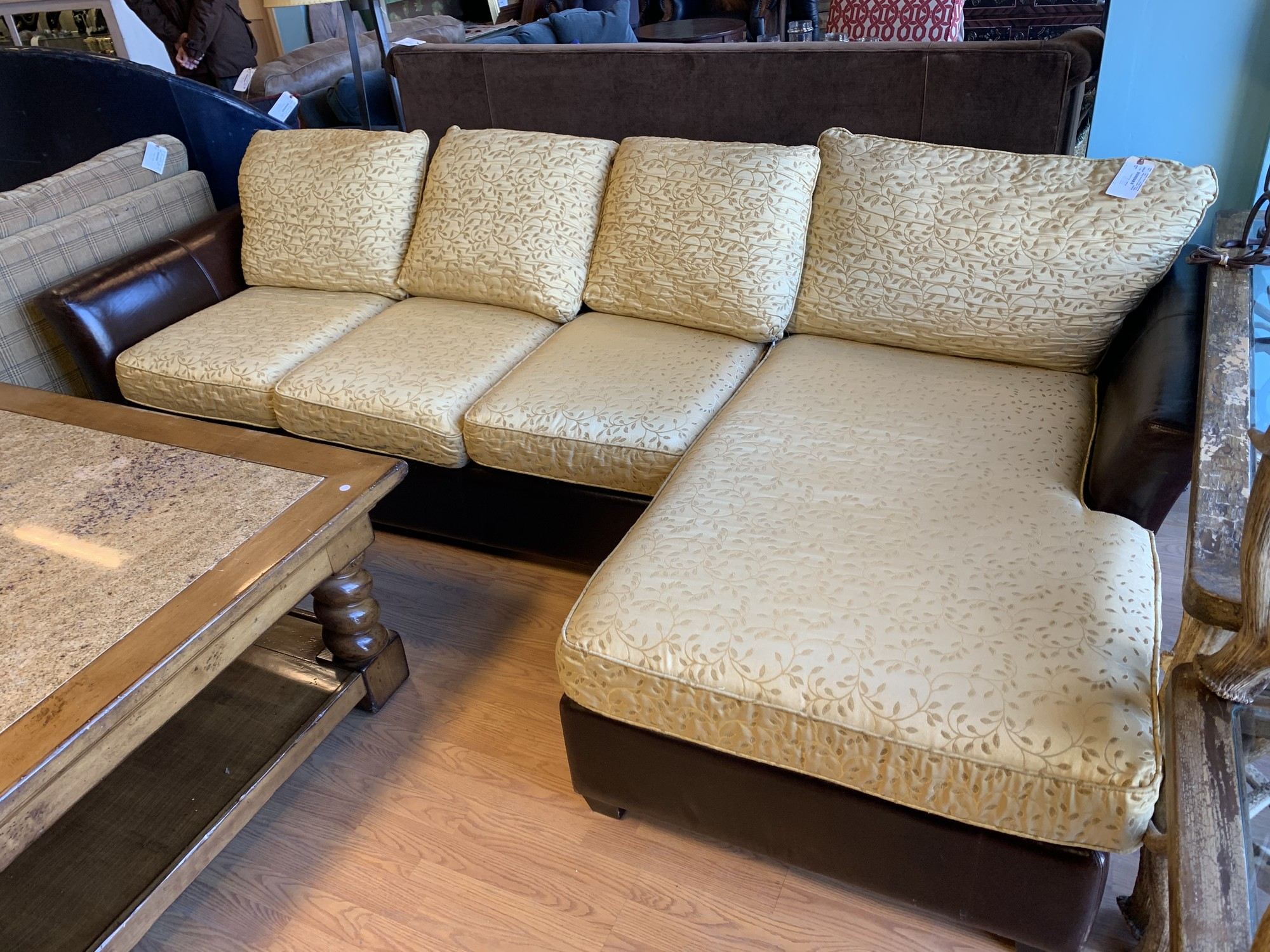 "Sleeper Sectional Leather, Yellowfa, Queen<br /> Size: 10' x 63"" (chaise) x 29"" (h) x 38"" (d)"