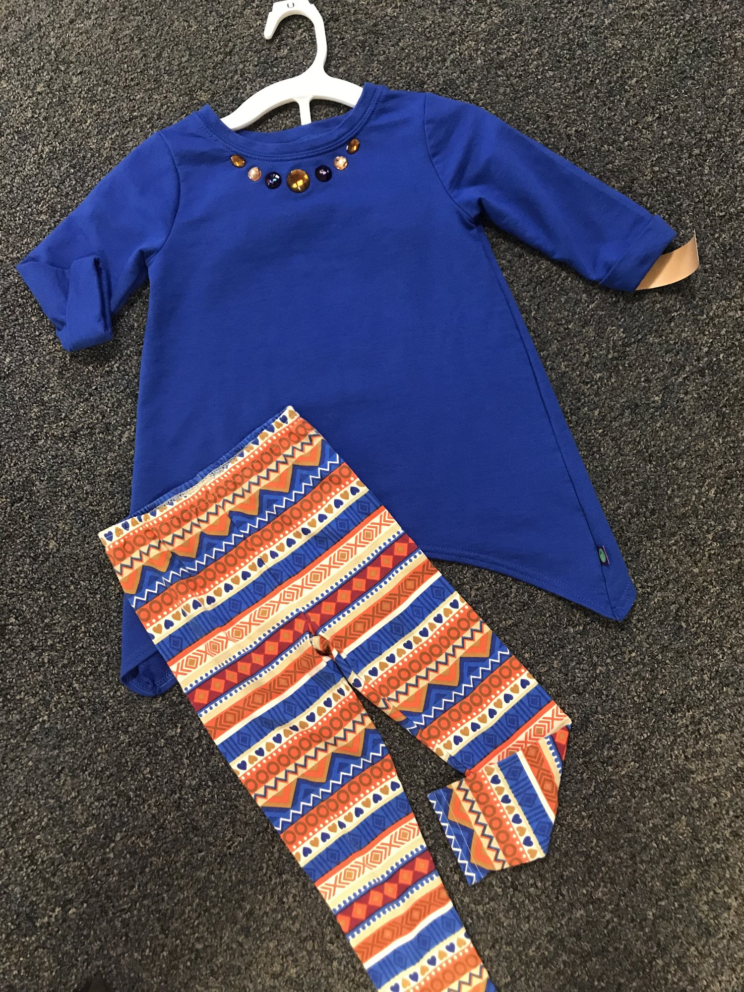 dollie & me brand 2pc long sleeved outfit. Elastic wais pants, excellent condition