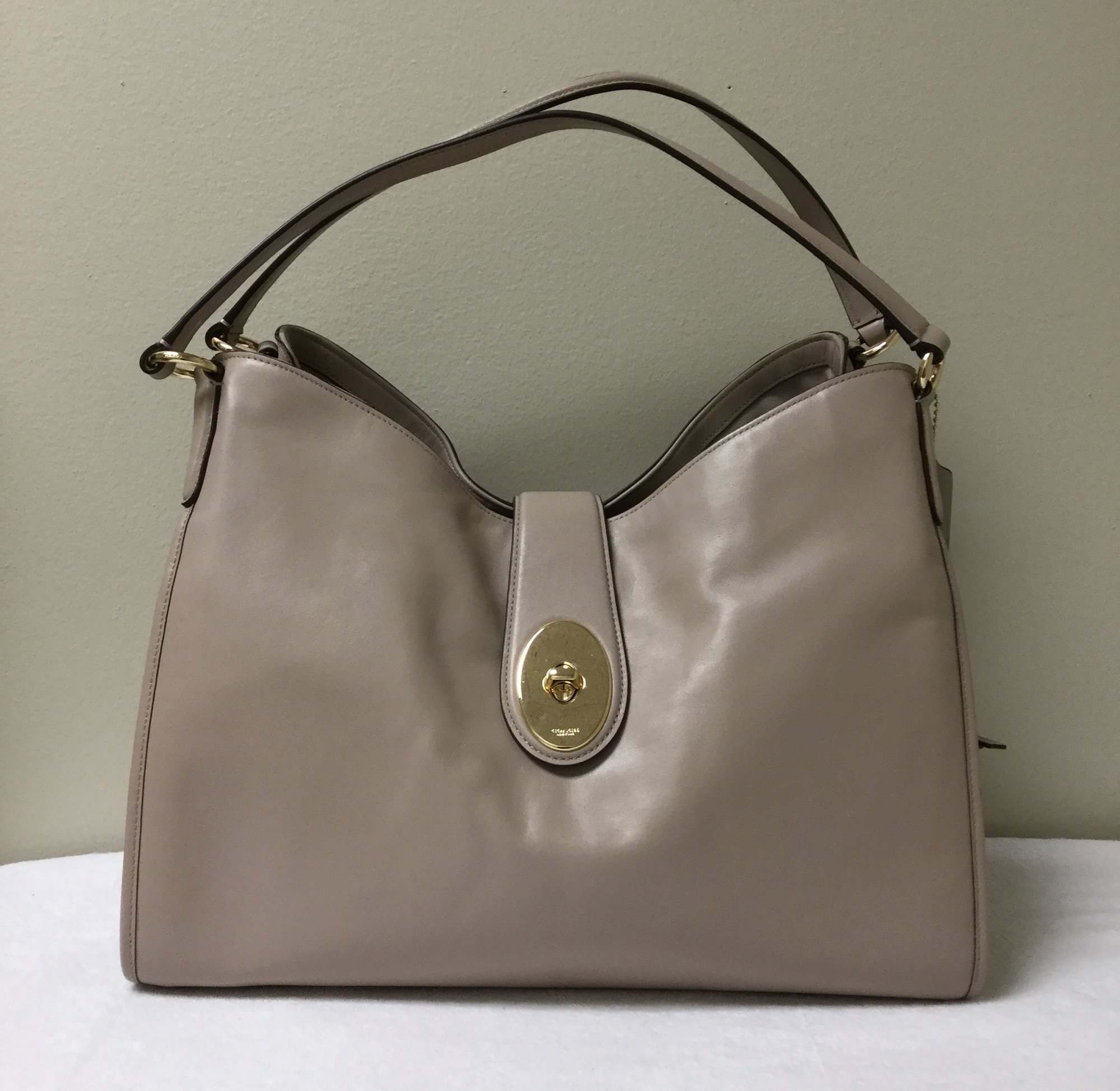 Coach Two Handle Bag<br /> Size Large<br /> Color Taupe<br /> Price $87.00