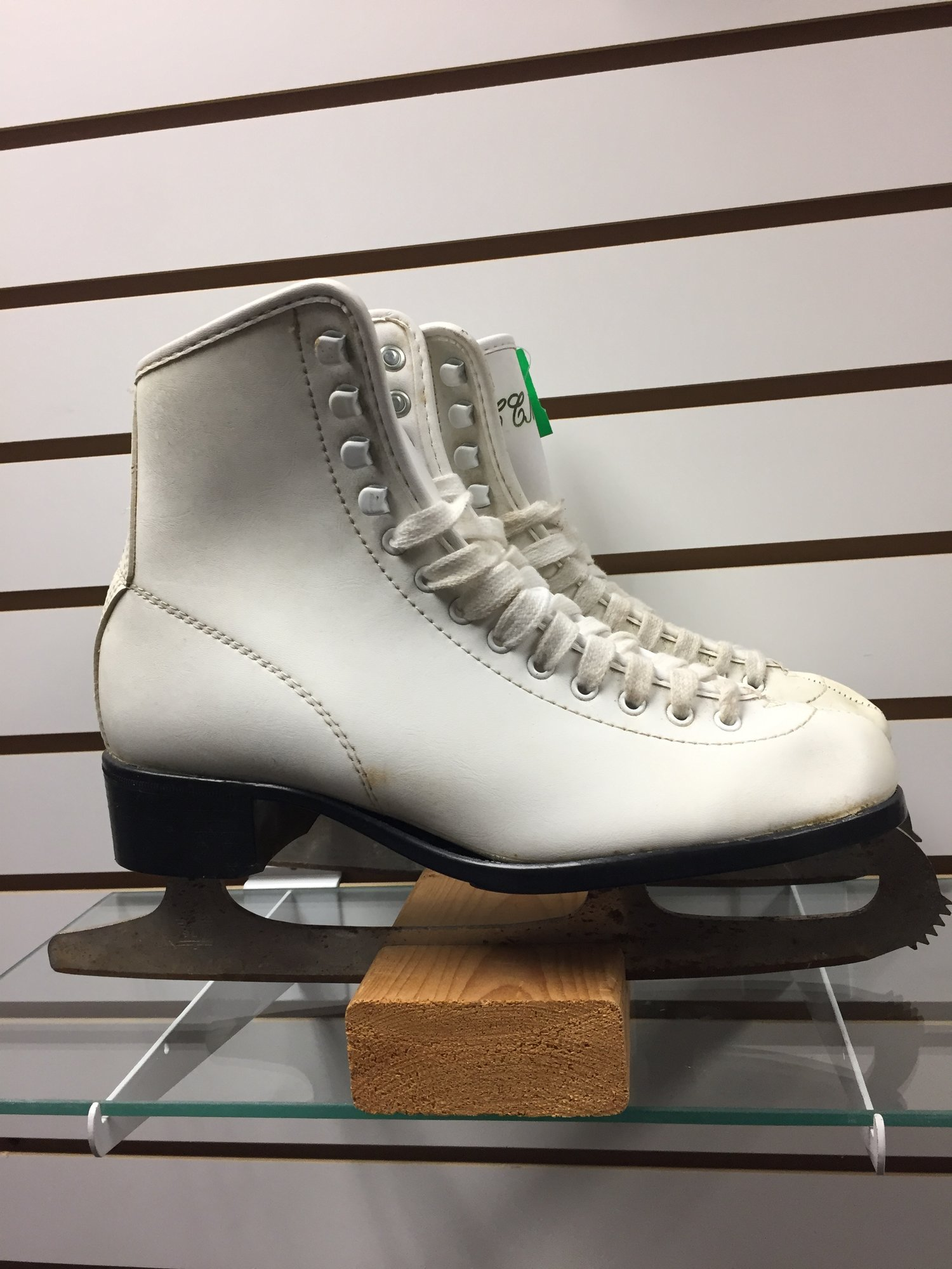 CCM Traditional, White, Size: 10