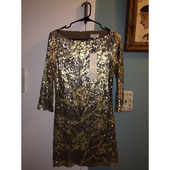 Amy Matto Gold & Silver Sequins Dress size Med Like new condition.  Orig. rtl: $334