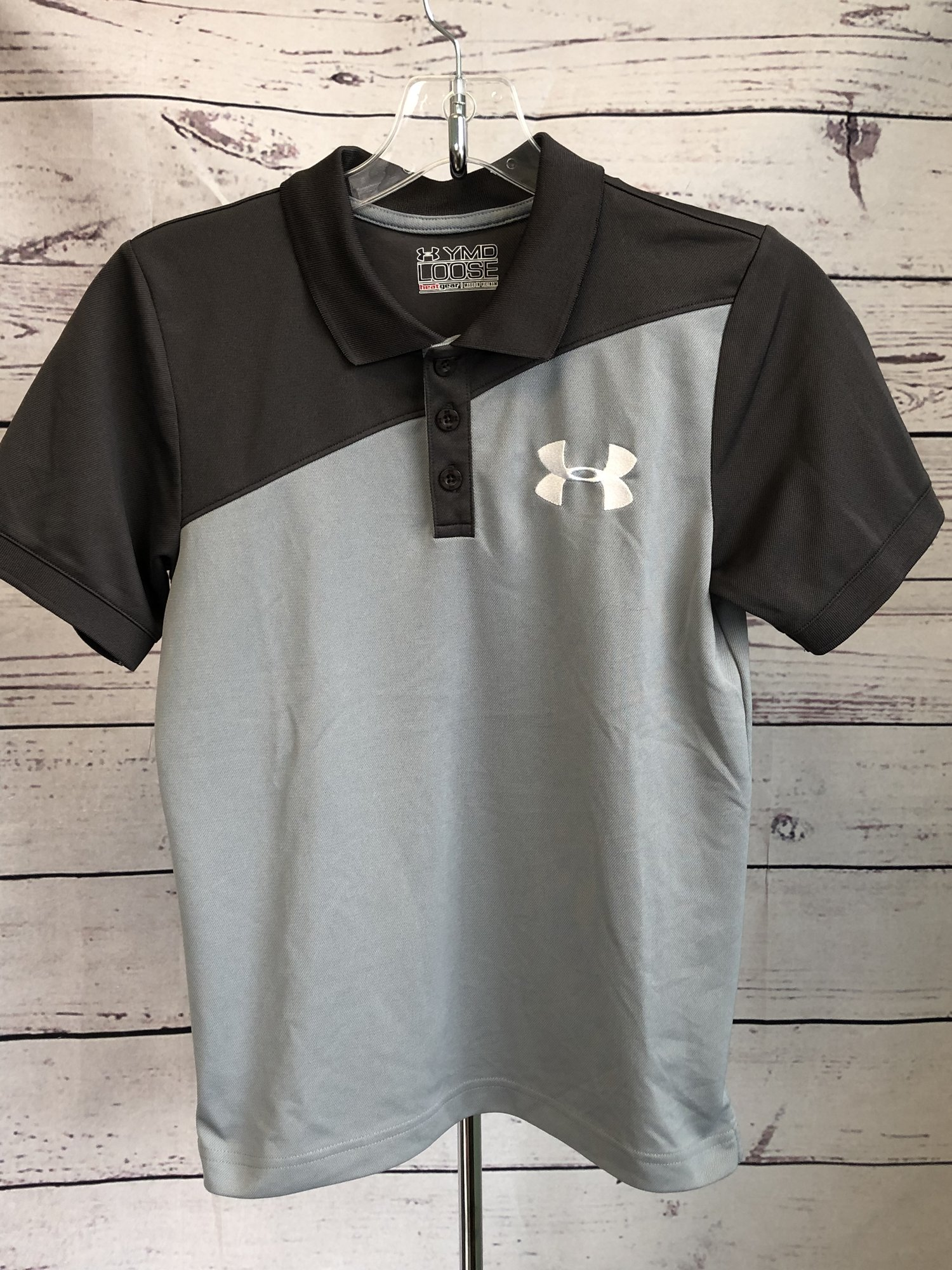 Under Armour short sleeve heat gear polo with 3 buttons