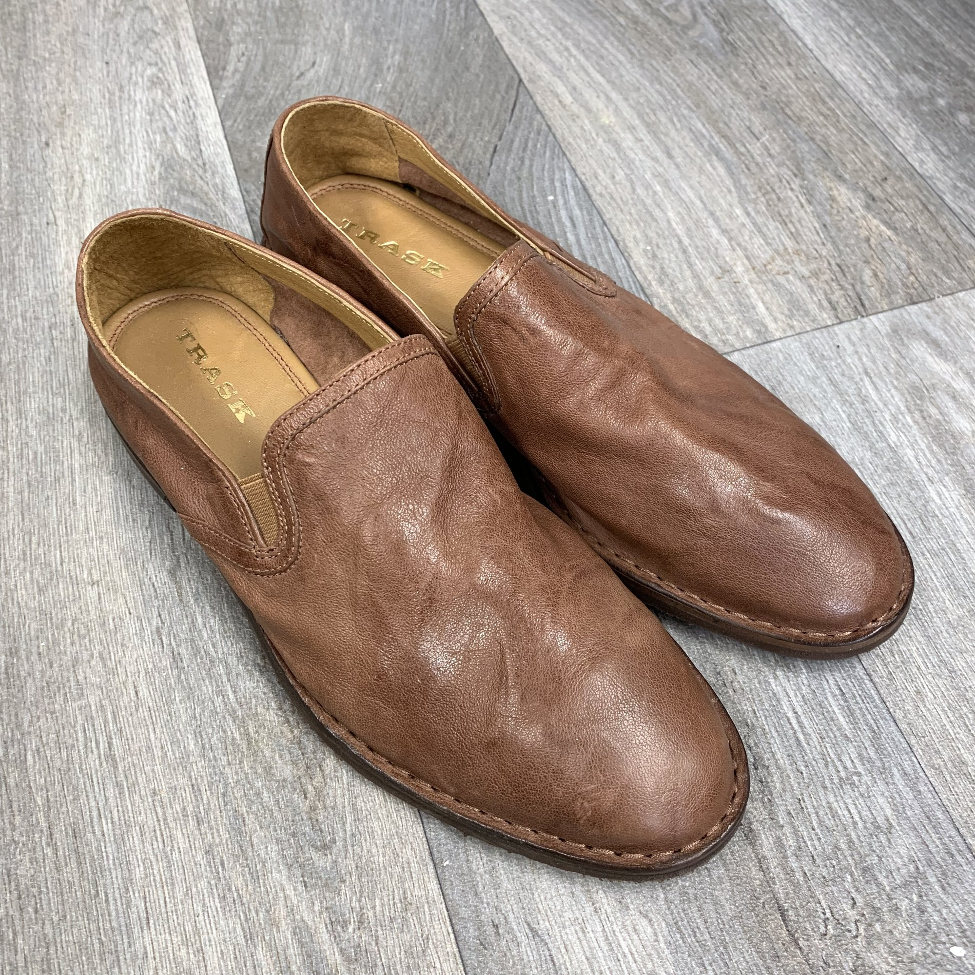 Like-new condition loafers from Trask<br /> Real leather<br /> Size 9