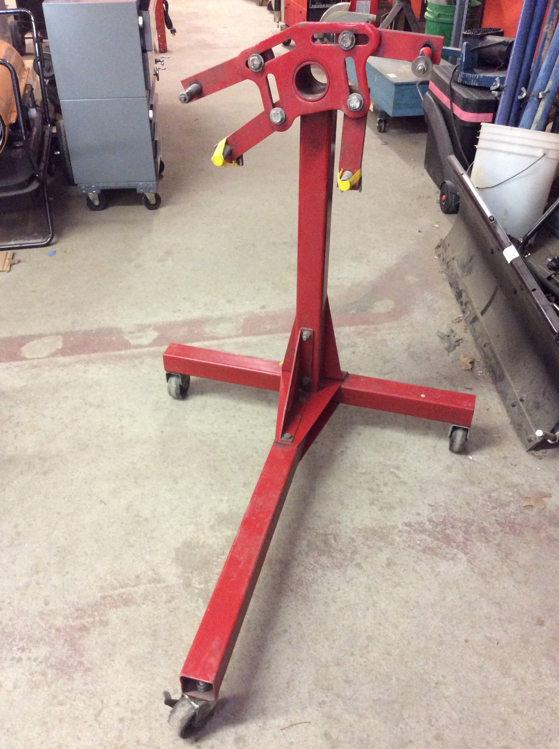Lakewood 750Lb. Engine Stand<br /> <br /> *MADE IN USA*