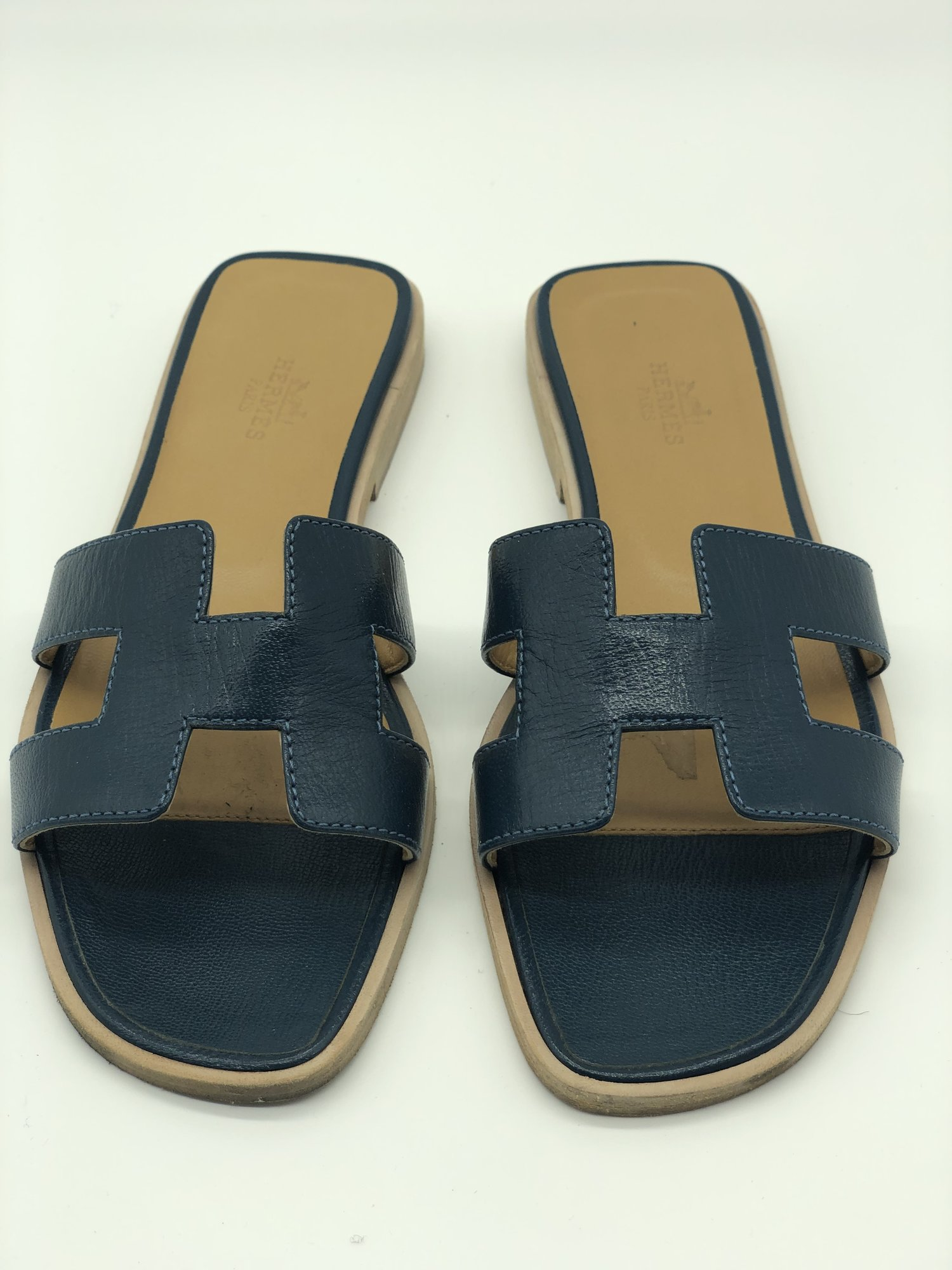 Hermes Oran Sandal, Navy, Size: 36<br /> <br /> Condition: EXCELLENT. Like new