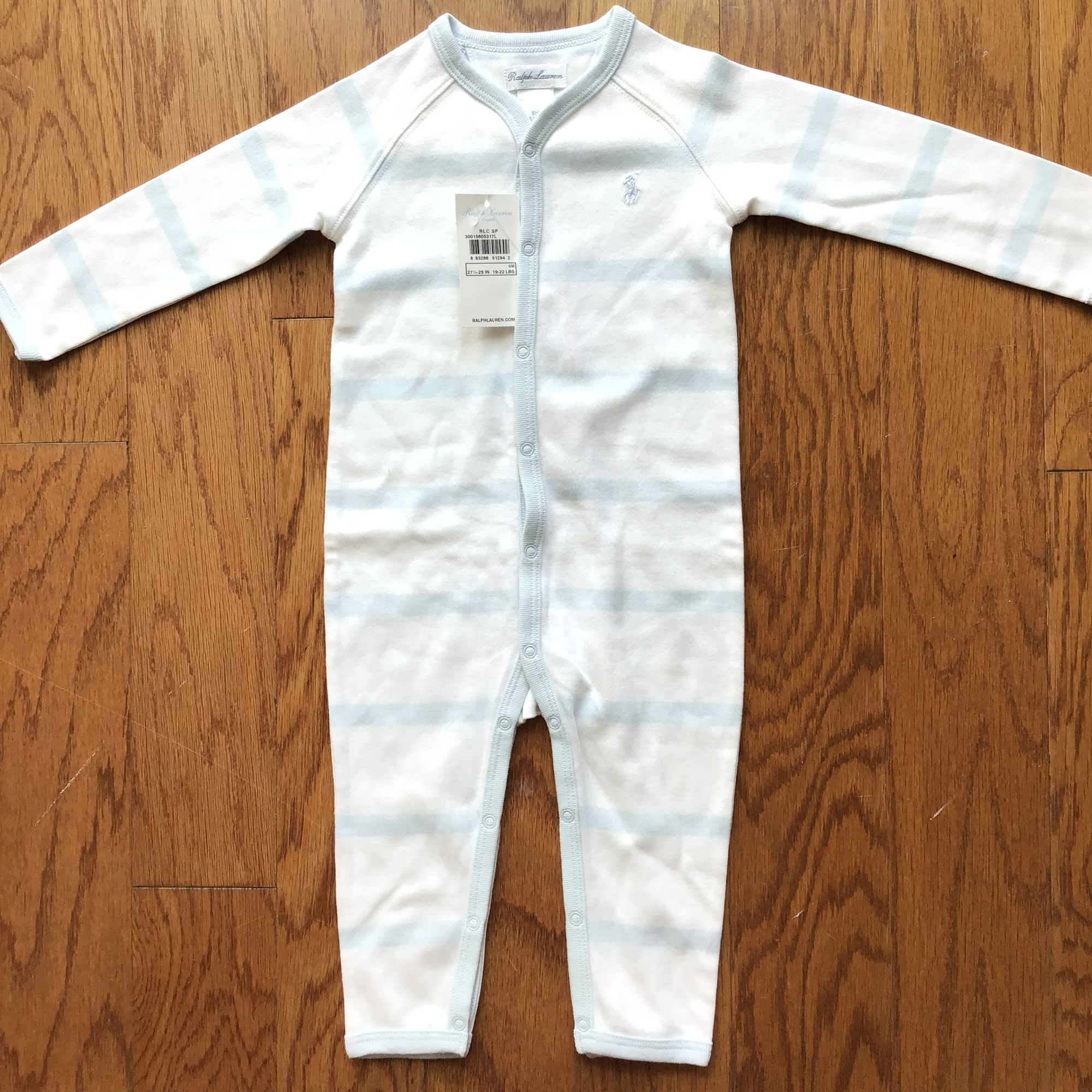 Ralph Lauren Romper NEW, White, Size: 9m<br /> <br /> <br /> <br /> ALL ONLINE SALES ARE FINAL. NO RETURNS OR EXCHANGES.