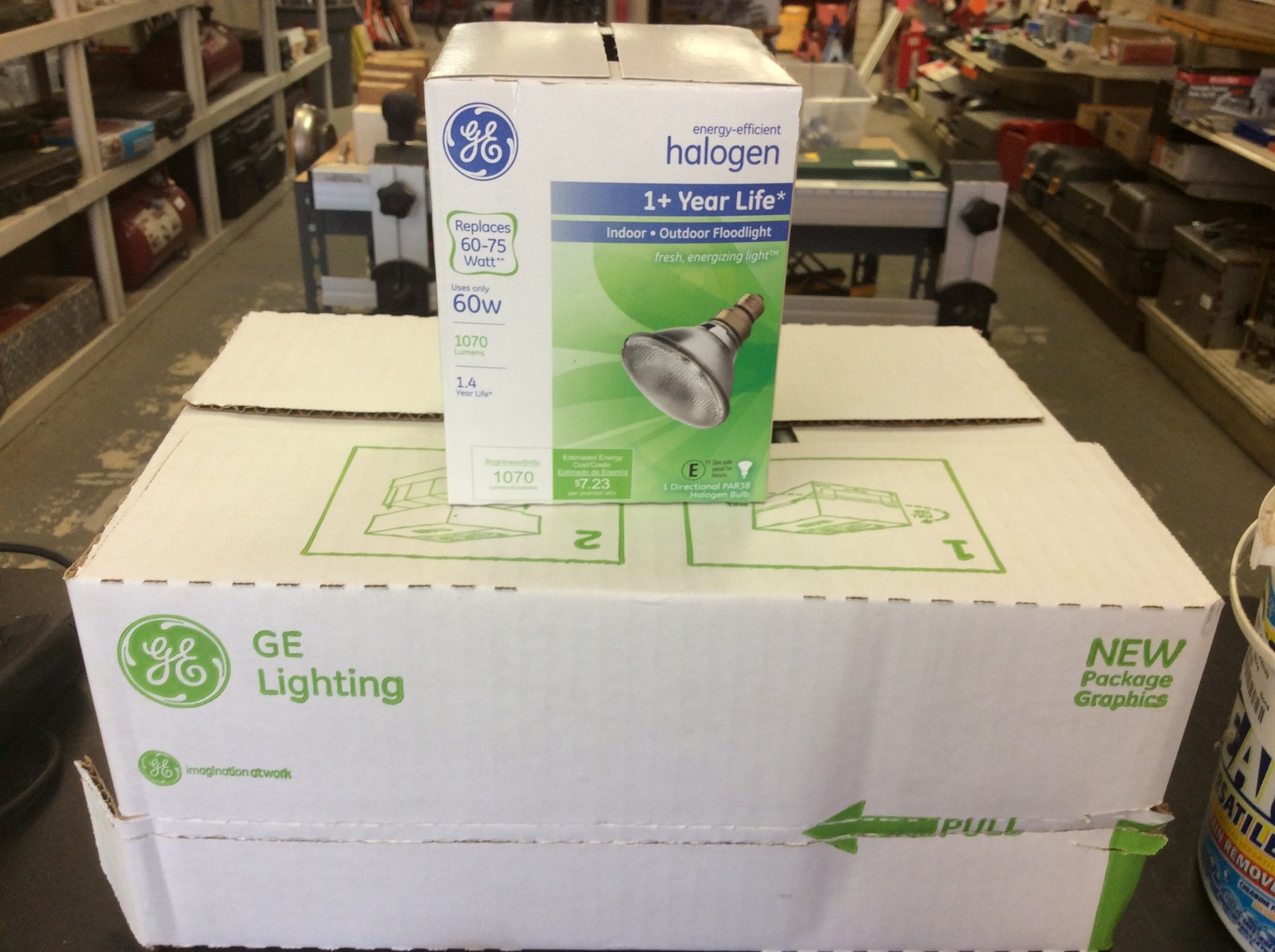 Case of GE 60W 1070 Lumen Outdoor Floodlights, 6 Pack<br /> <br /> *NEW IN PACKAGE*