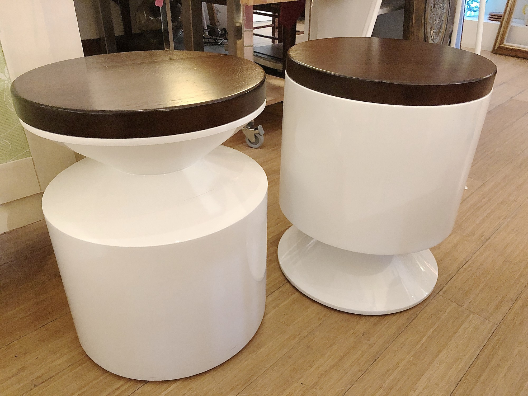 Table/Stool, White, Size: 16x21<br /> Second availabel item #76820