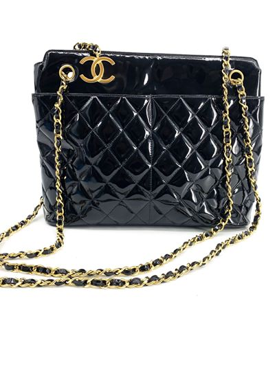 Vintage black patent Chanel shoulder bag<br /> <br /> goldtone Chanel logo charm<br /> <br /> great vintage condition