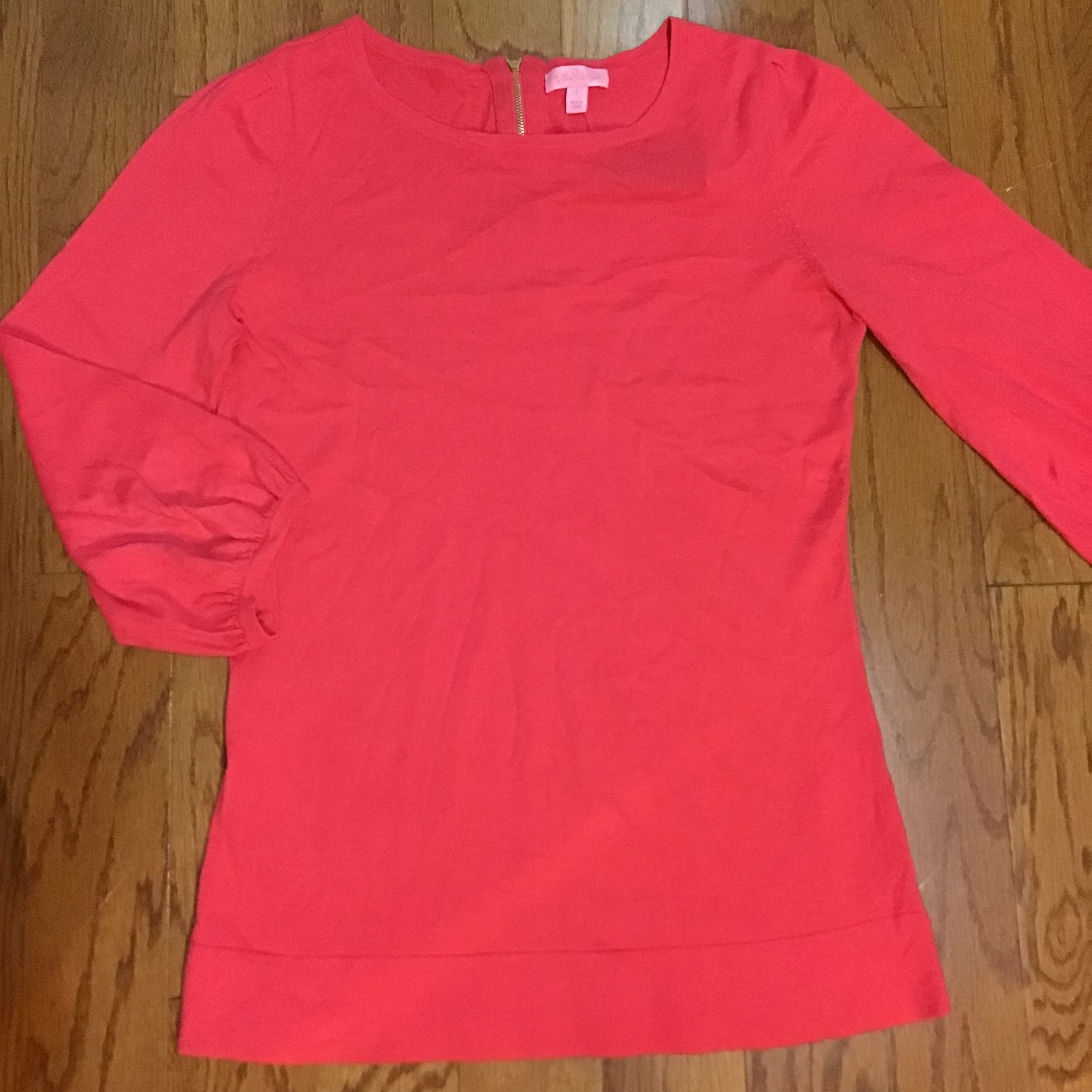 Lilly Pulitzer Top, Coral, Size: Large<br /> <br /> <br /> WOMENS SIZE<br /> <br /> <br /> ALL ONLINE SALES ARE FINAL. NO RETURNS OR EXCHANGES.
