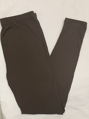 "Ladies we have all the leggings you need to get your fall wardrobe started. These are our wonderful buttersoft leggings with an elastic waist. 92 % Polyester 8% Spandex. Inseam 28""<br /> Mocha"