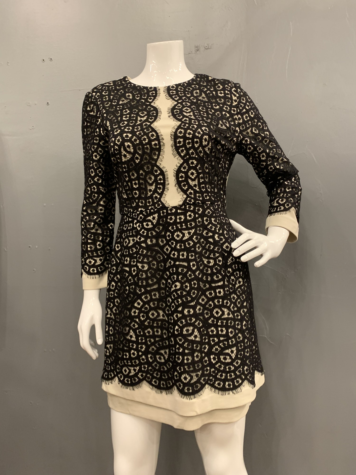BCBG Eyelet 3/4 Sleeve pocket dress<br /> black/white, Size: 10<br /> new with tags retail $338.