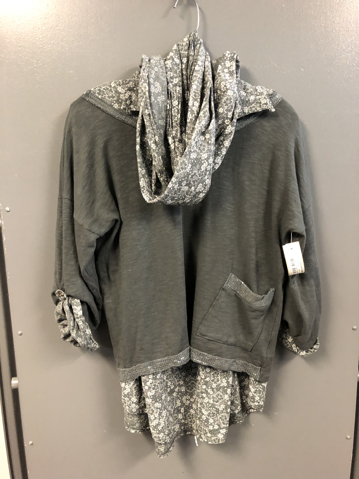 Ls Layered Top W  Scarf, Grey, Size: Small