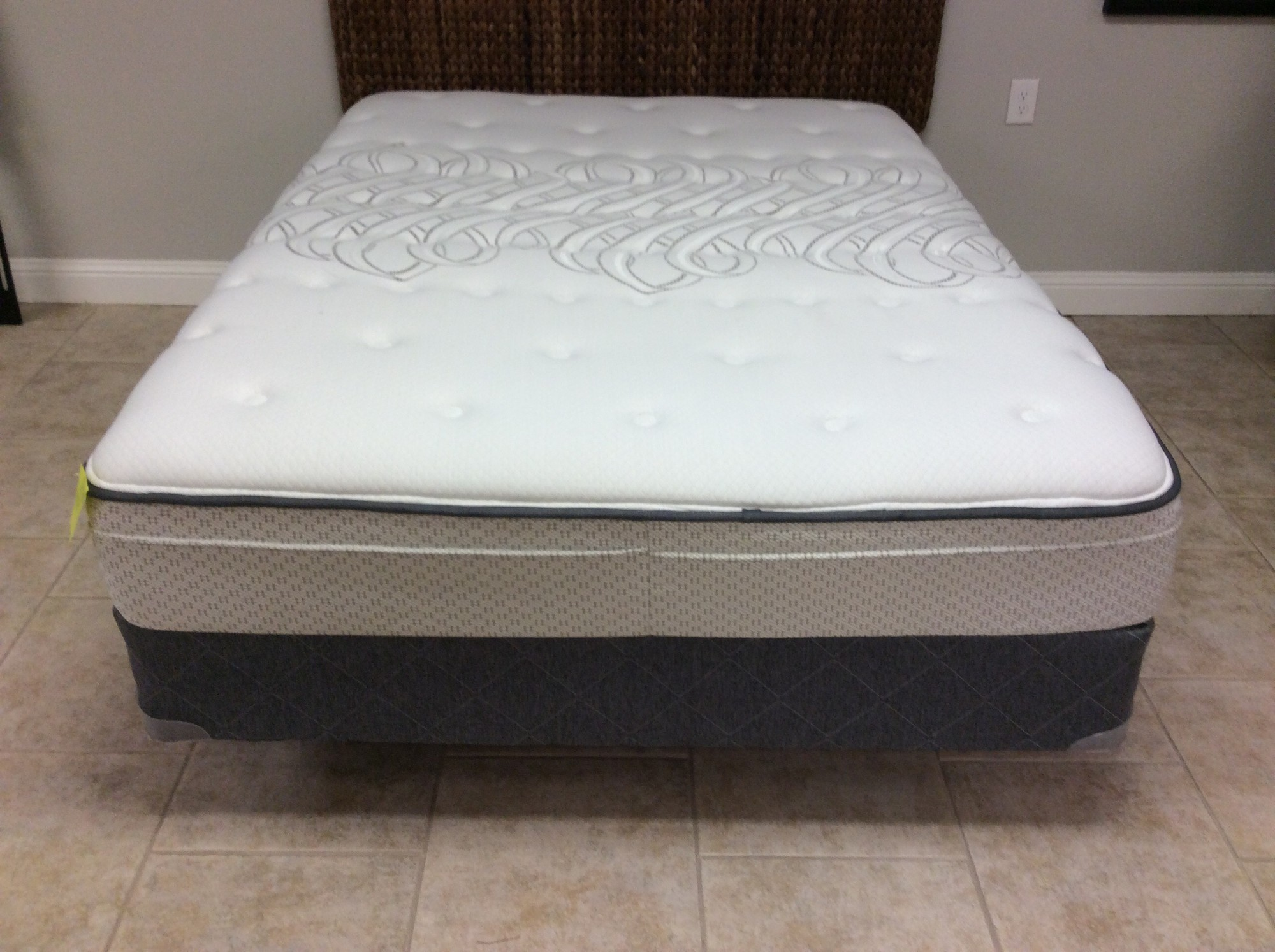 This mattress/box spring set by Sealy is in perfect condition! PERFECT! Doesn't appear to ever have been used. The mattress is described as firm but I would call it plush and a little soft to the touch. Come by soon, it won't be here long!