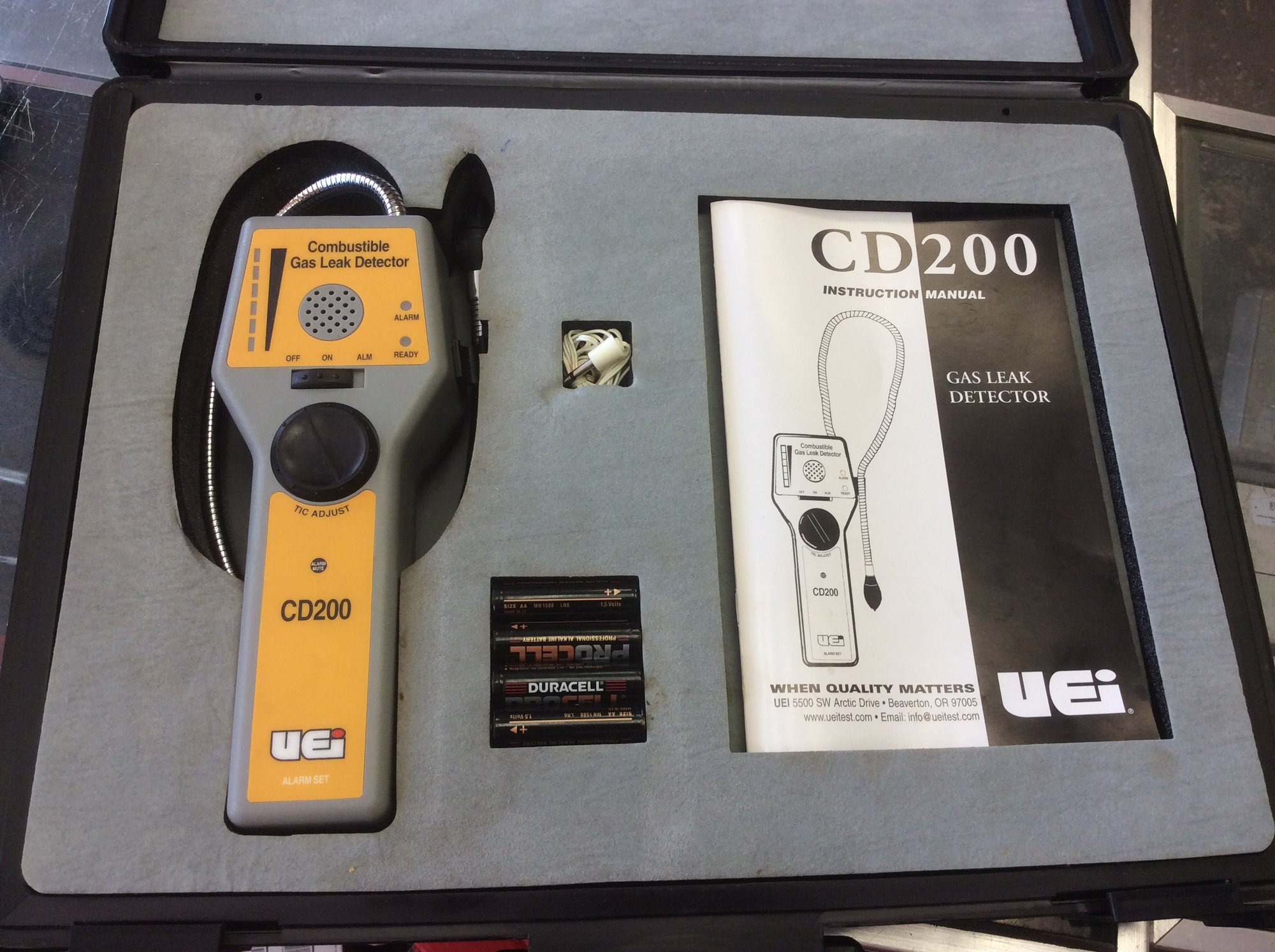 UEi Test Instruments CD200 Combustible Gas Leak Detector<br /> <br /> *PICK UP ONLY*