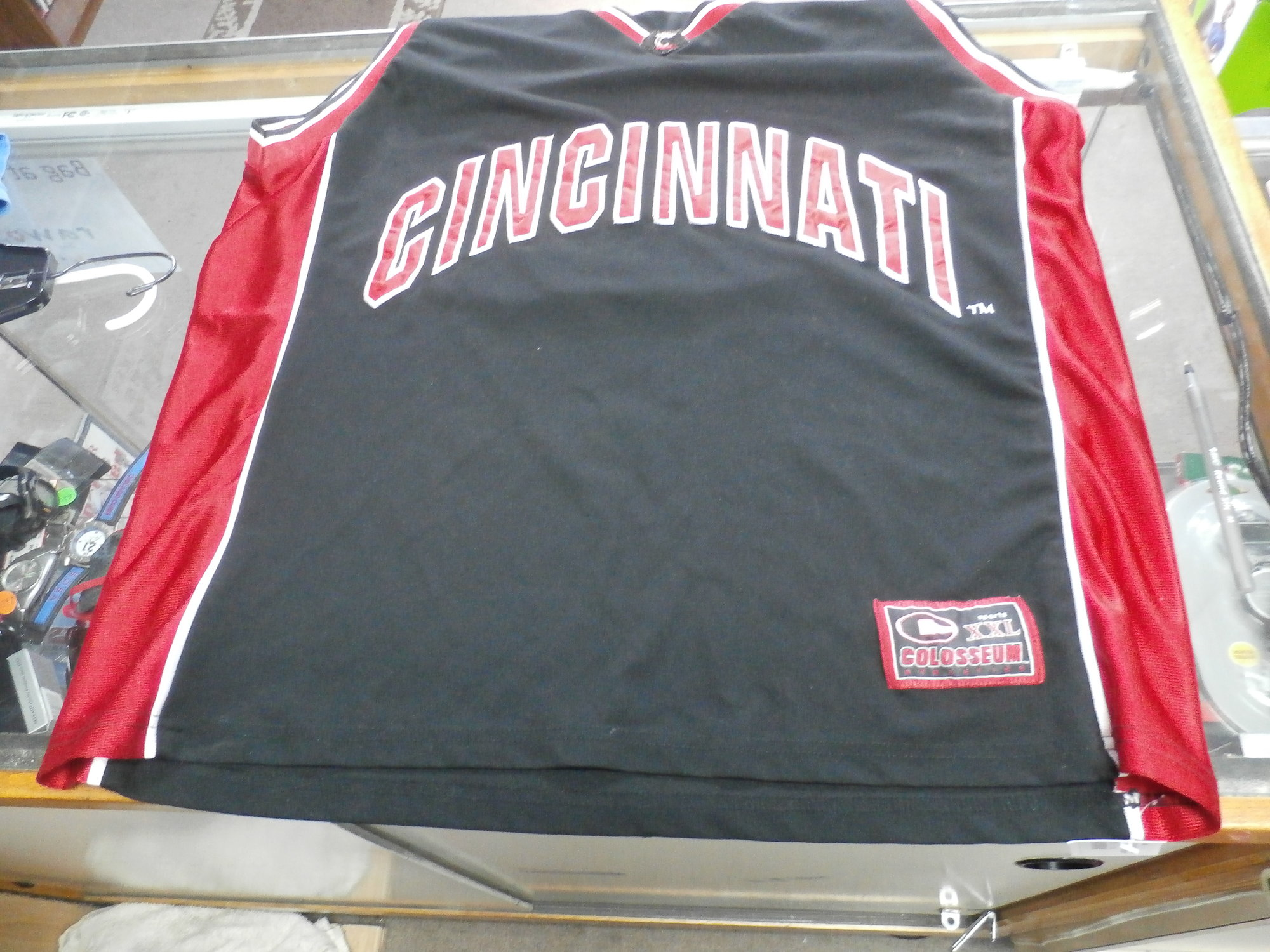 665f2417f297 Cincinnati Bearcats Colosseum Athletics Adult Basketball Jersey Size XL   15832 br    Rating