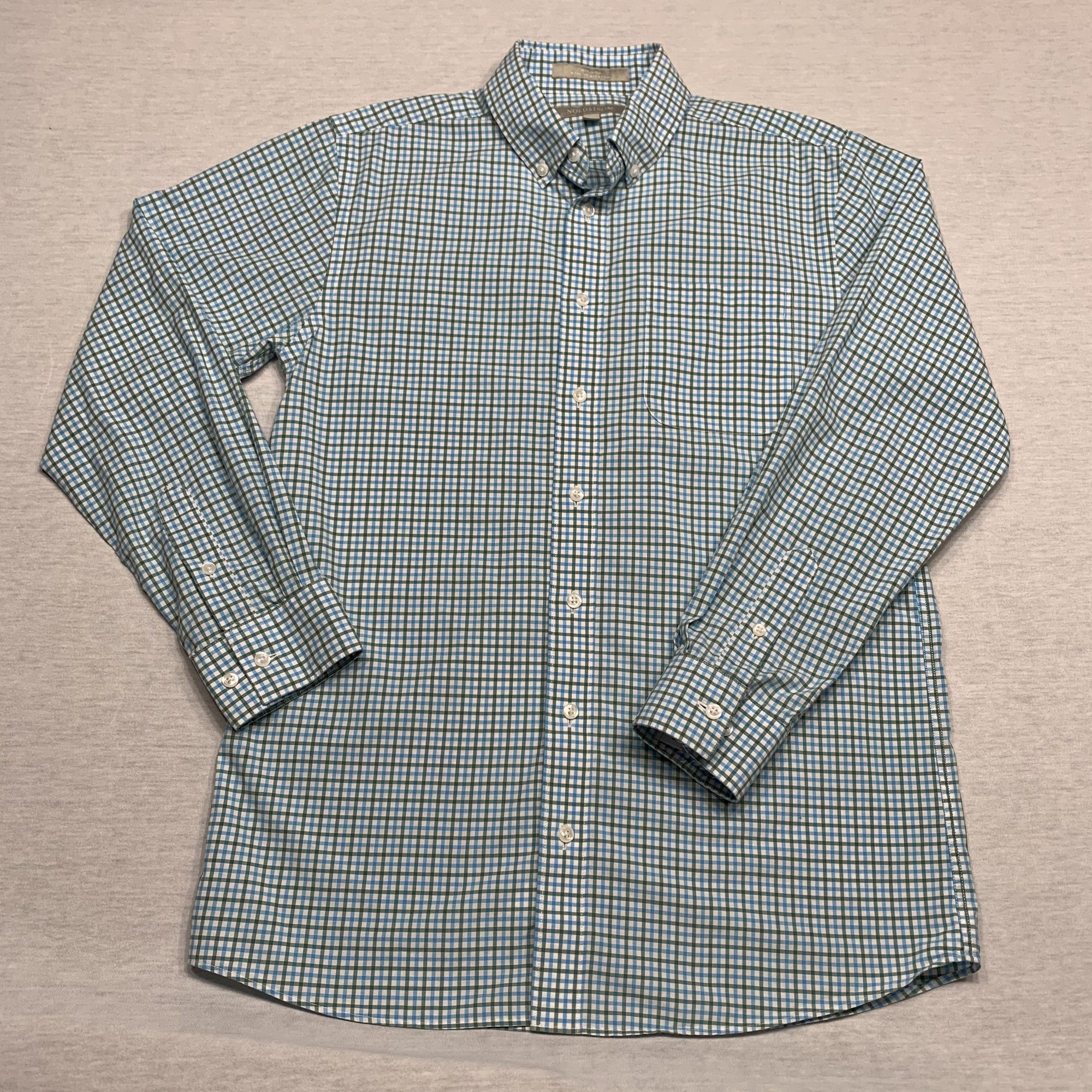 Plaid poplin shirt with button down collar & patch pocket