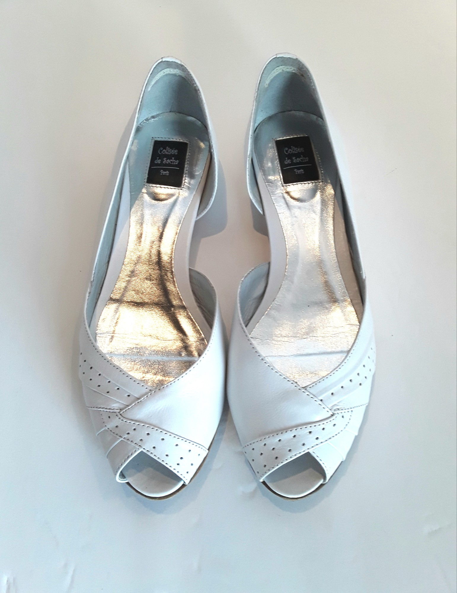 Colisee de Sacha of Paris White Flats, White, Size: 6.5 Beautifully made with silver accent on the heels.