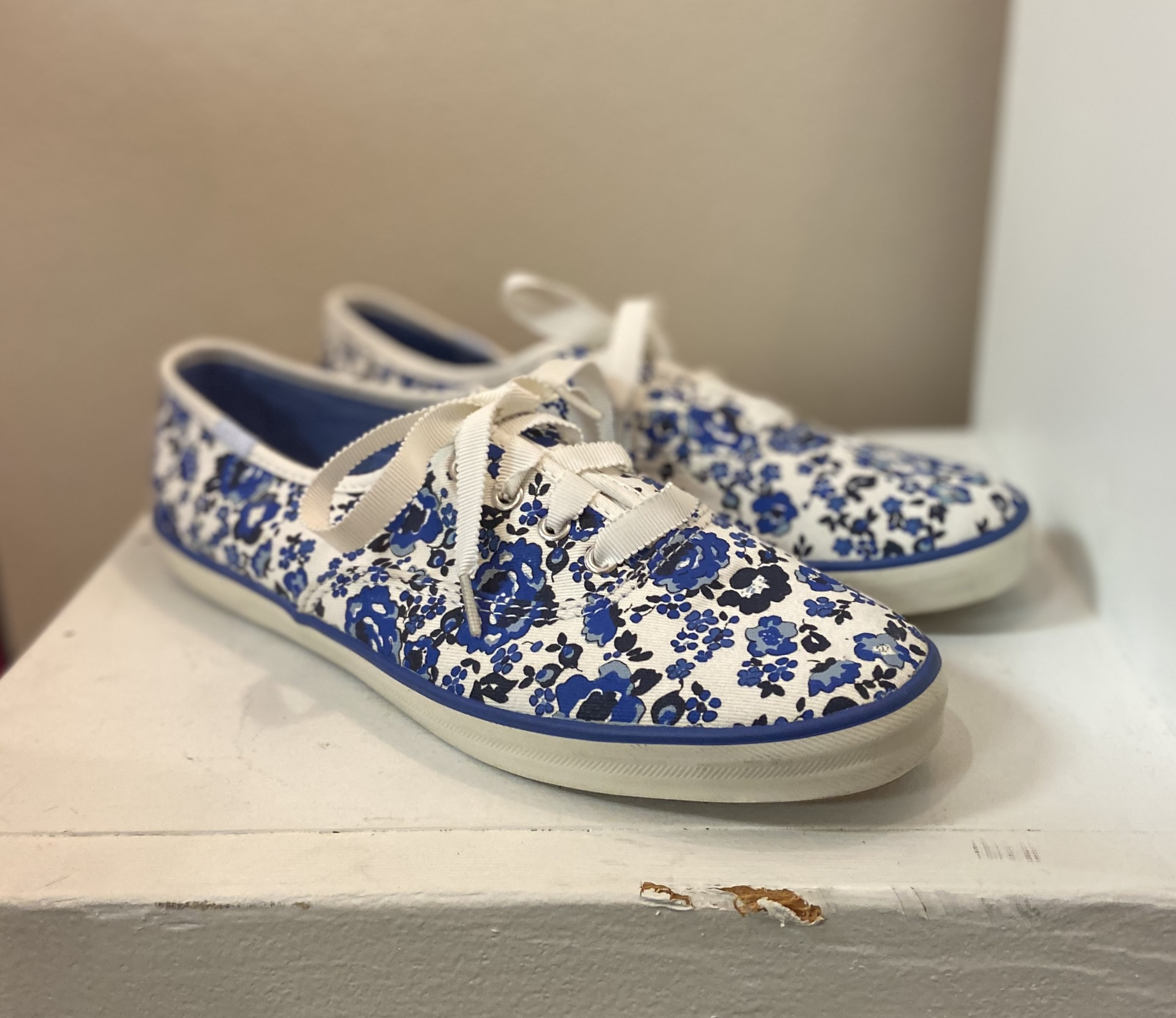 Blue Floral Sneakers<br /> Blue<br /> Size: 7 1/2