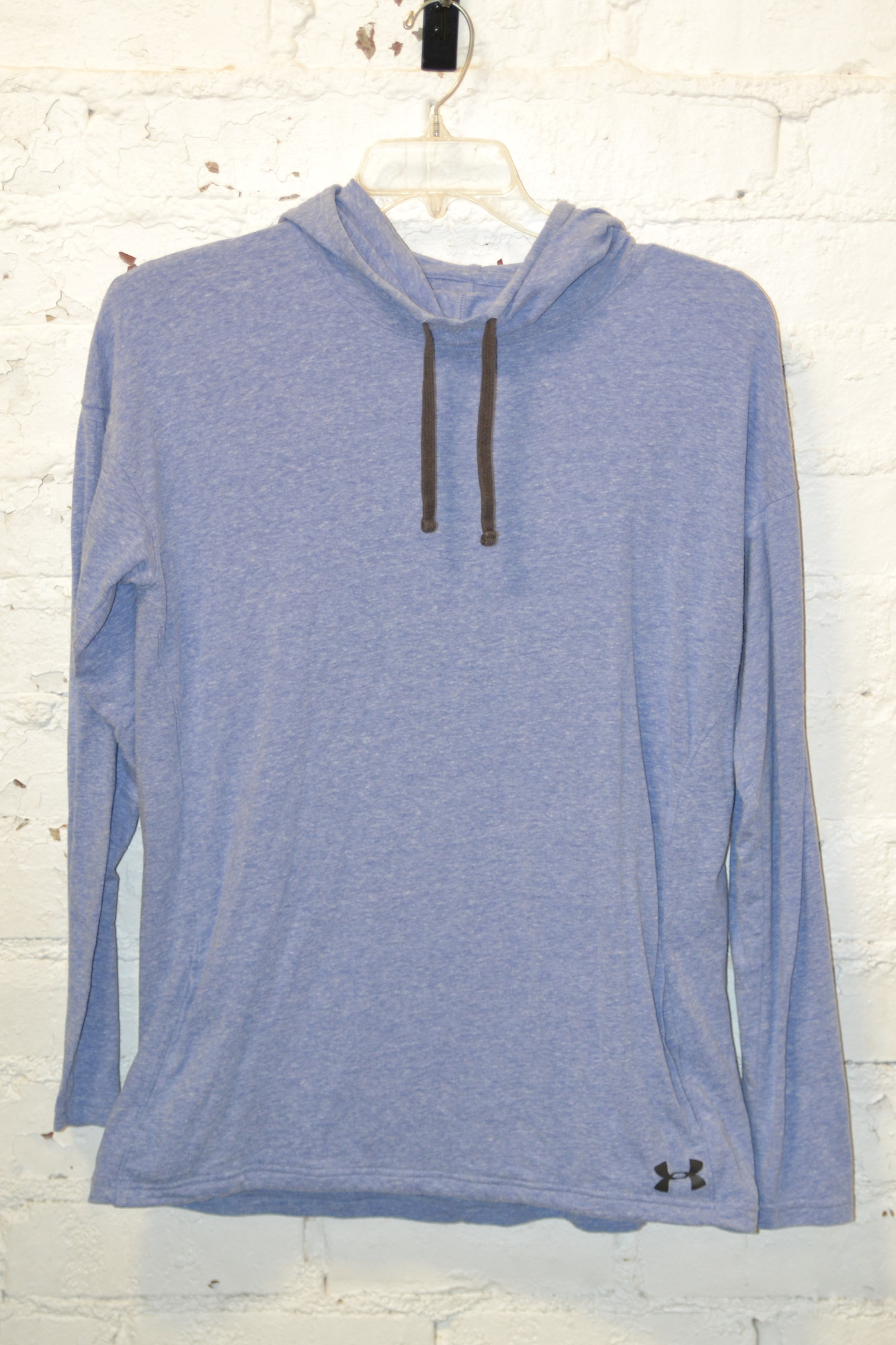 -Under Armour<br /> -Heat gear<br /> -Long sleeved<br /> -Hooded<br /> -Light weight<br /> -Purple color<br /> -Size large