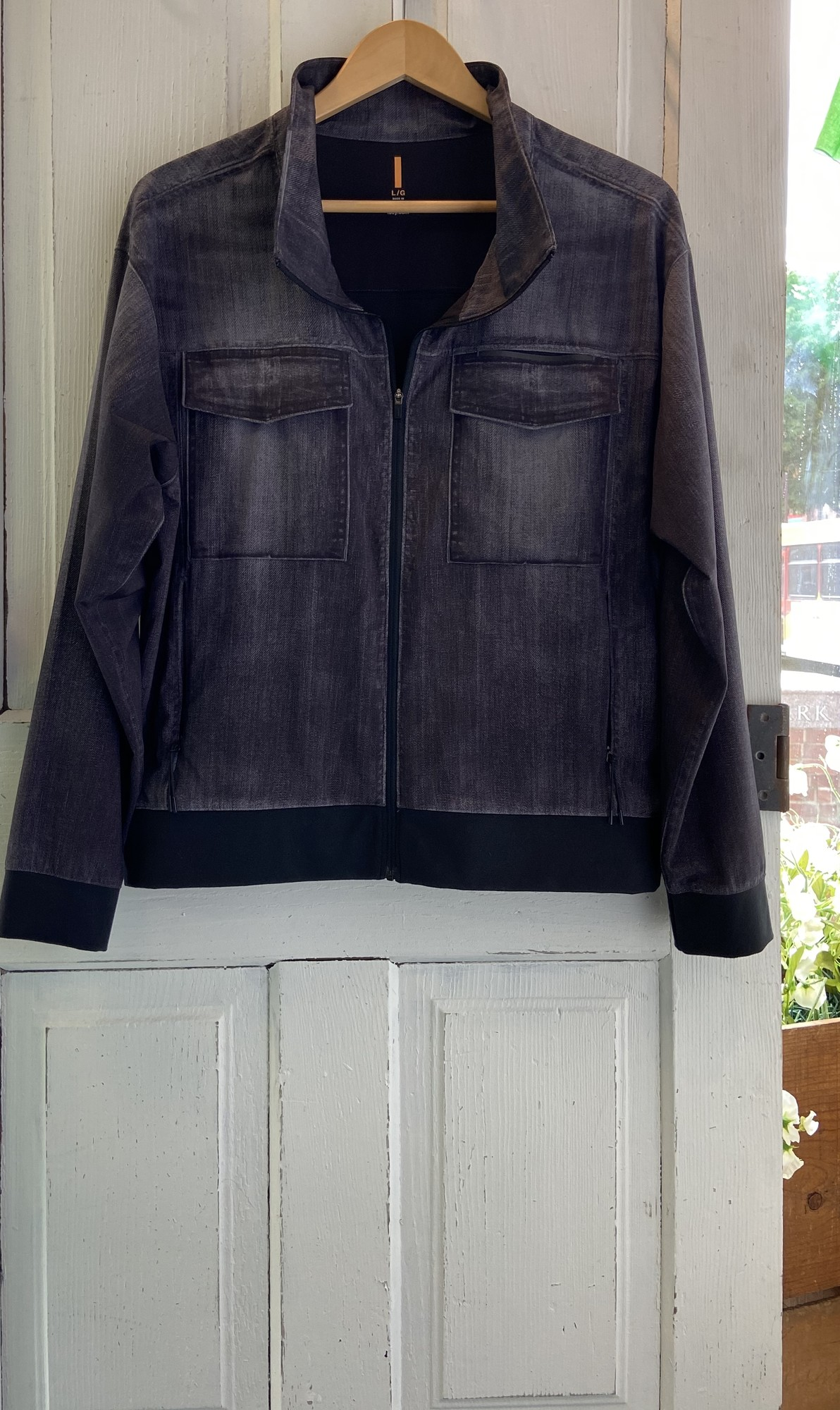 Faded Black Zip Jacket<br /> Black<br /> Size: Large