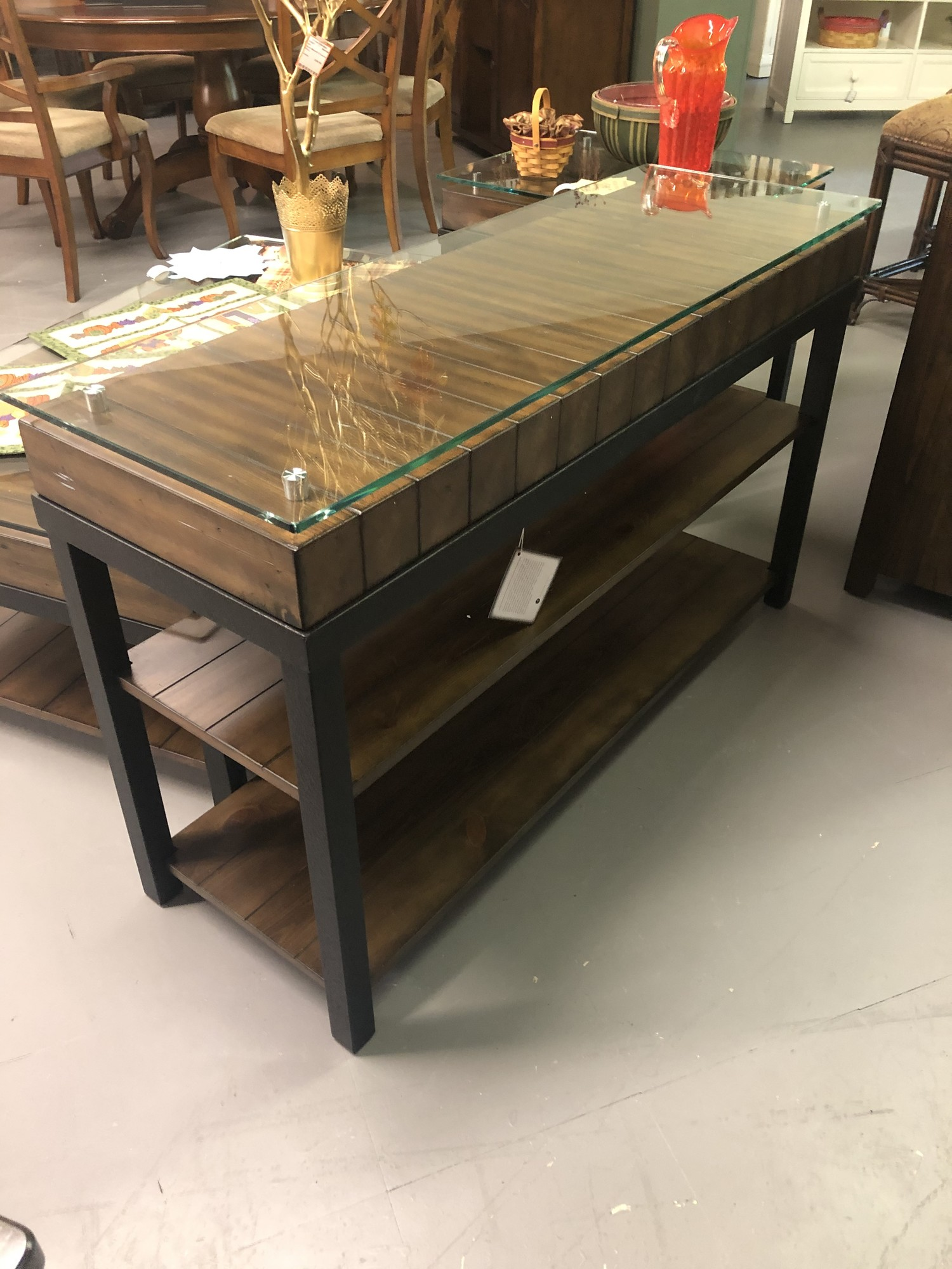 RETAILS FOR $698<br /> <br /> Dimensions: 46x16x29