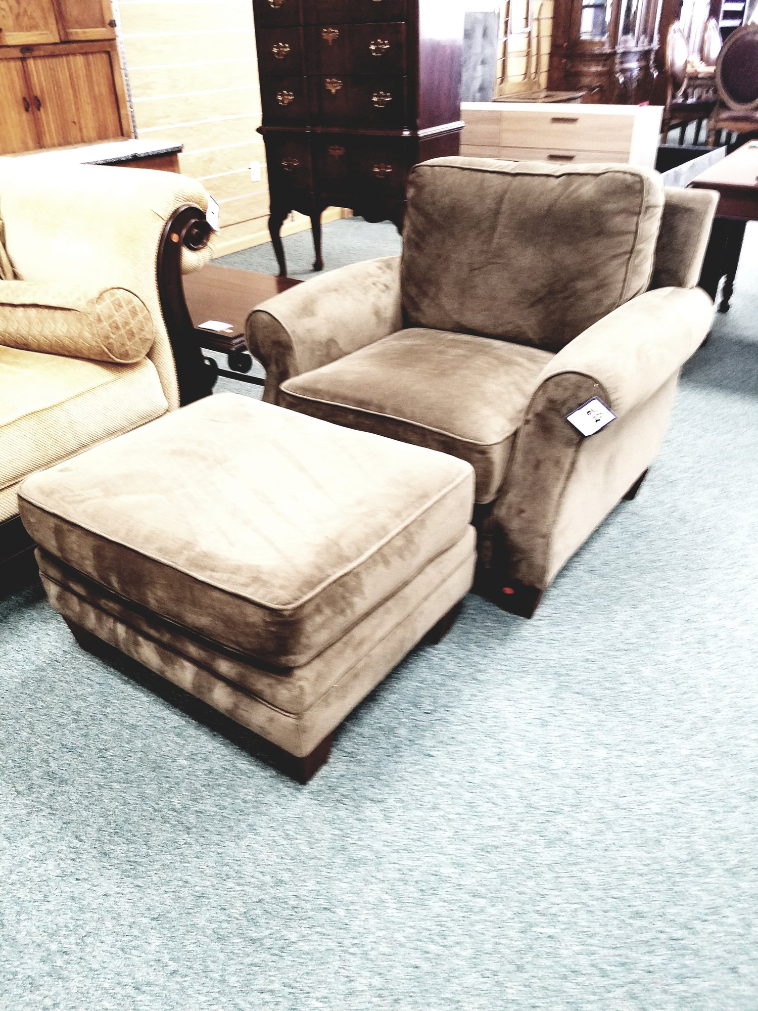 Delicieux BROWN CHAIR W/ OTTOMAN